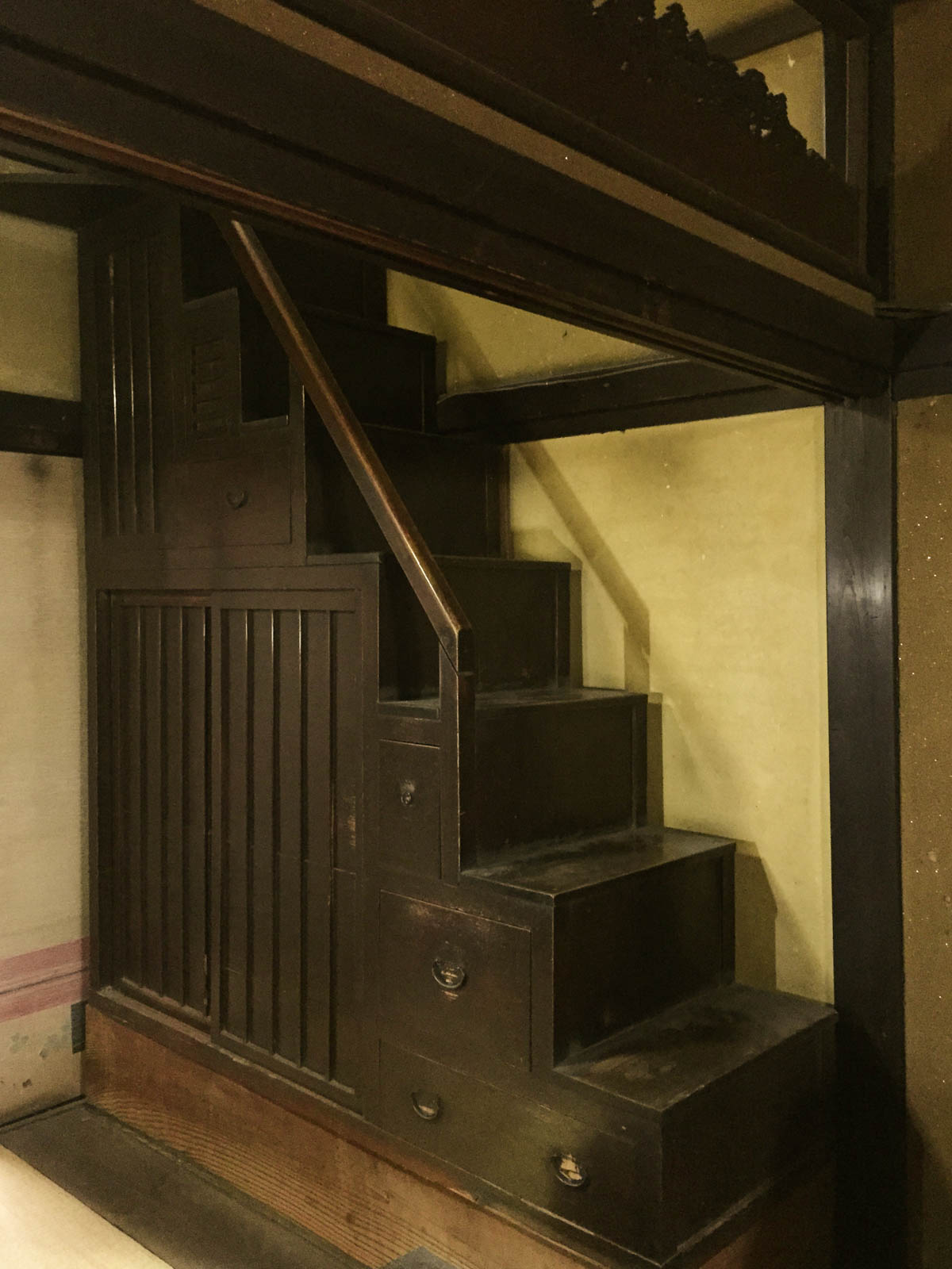 階段箪笥・古民具出張買取り